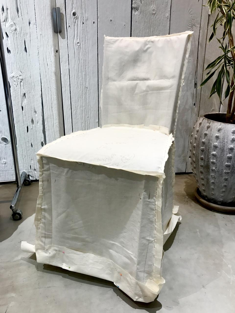 椅子の仮縫い